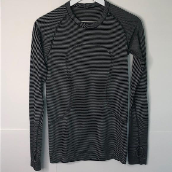 699f79798bef6 lululemon athletica Tops - Lululemon NWOT women s Swiftly tech long sleeve